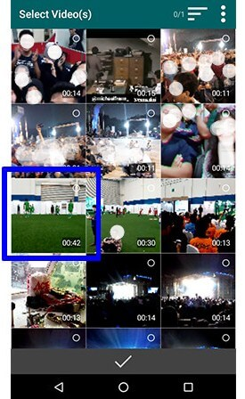 2. Pilih video durasi lebih dari 30 detik yang mau dijadikan status WA